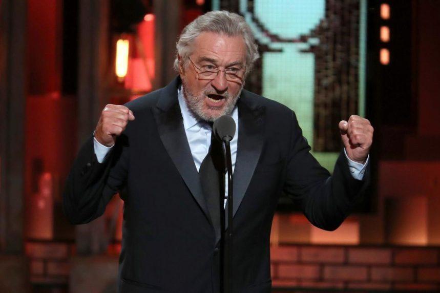 Robert De Niro apologizes to Canadians for Trump's recent comments
