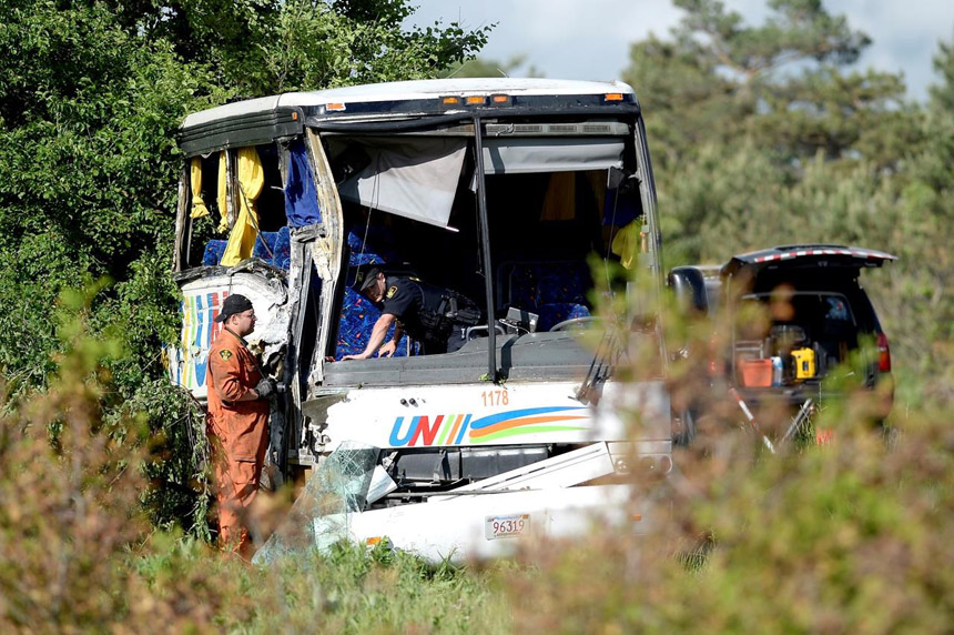 Chinese tourist, 54, declared dead after bus crash in eastern Ontario
