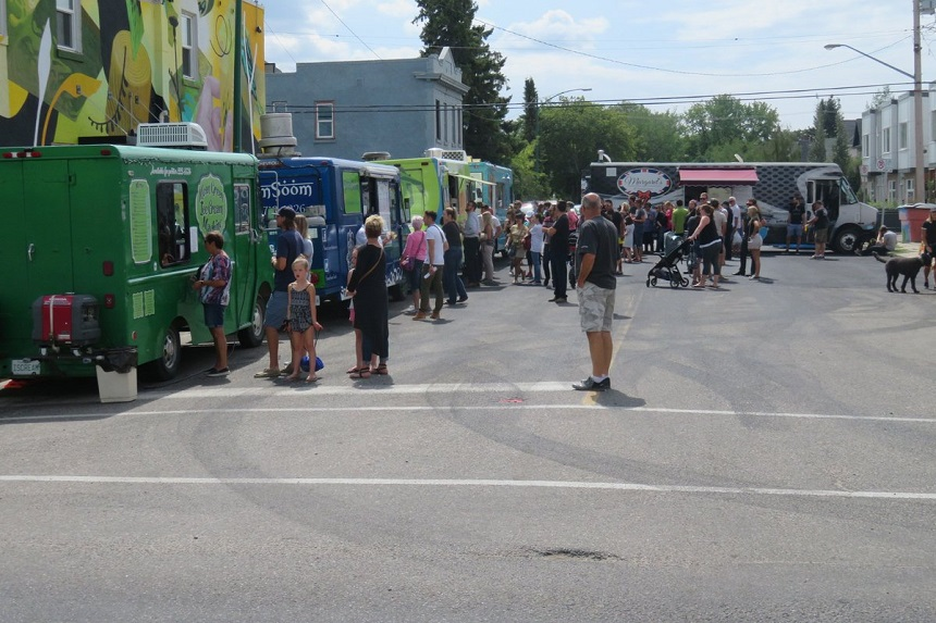 Food trucks battle for tastebuds in 4th annual Saskatoon war