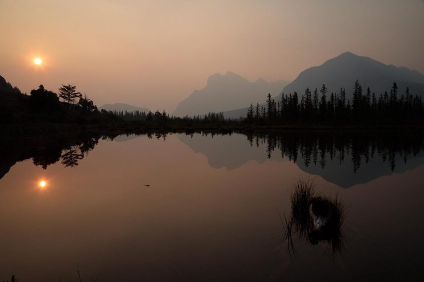Wildfire smoke from B.C. gets in the way of mountain scenery for tourists