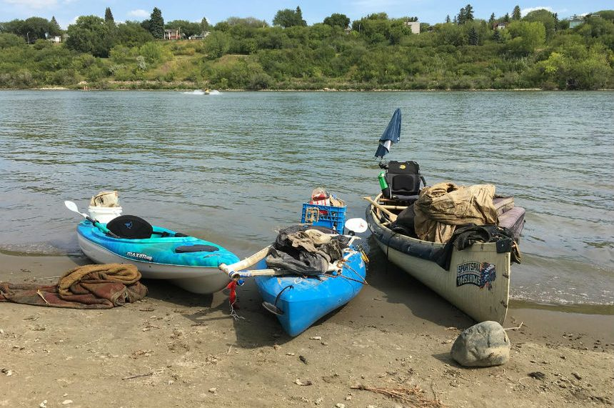 Kayaker runs long weekend Saskatchewan River clean up
