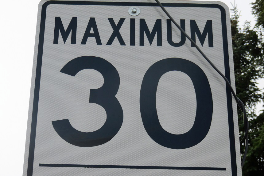 City report suggests cutting residential speeds to 30 km/h