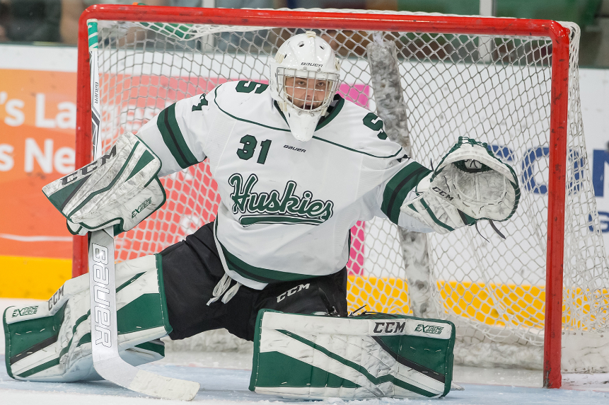 Hockey Huskies withstand Dinos to win thrilling home-opener