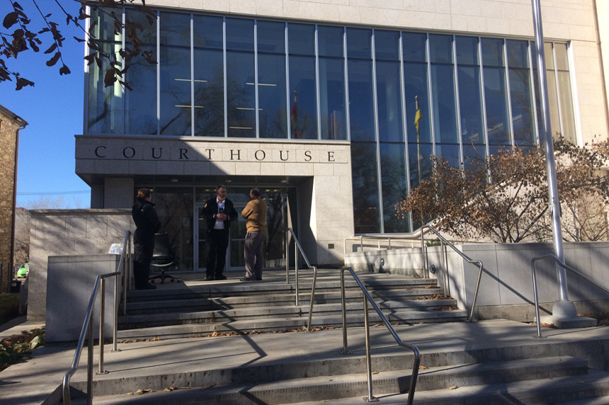 Fire causes $200K in damage at Queen's Bench courthouse
