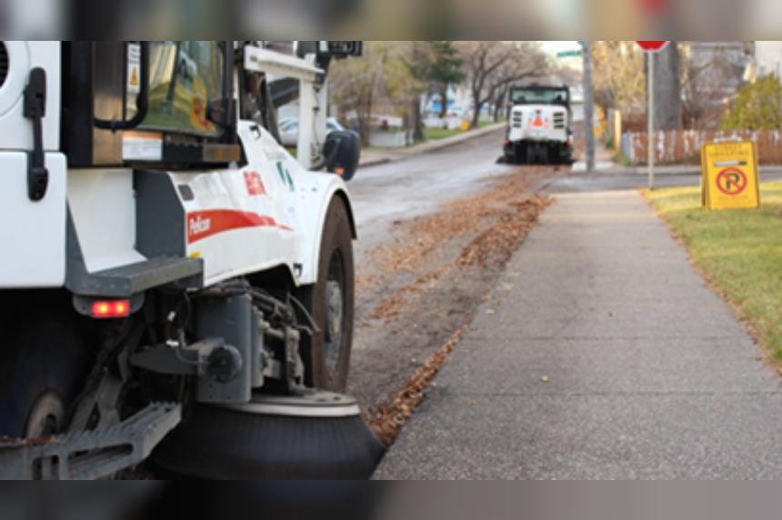 Saskatoon city crews to begin fall street sweeping Monday