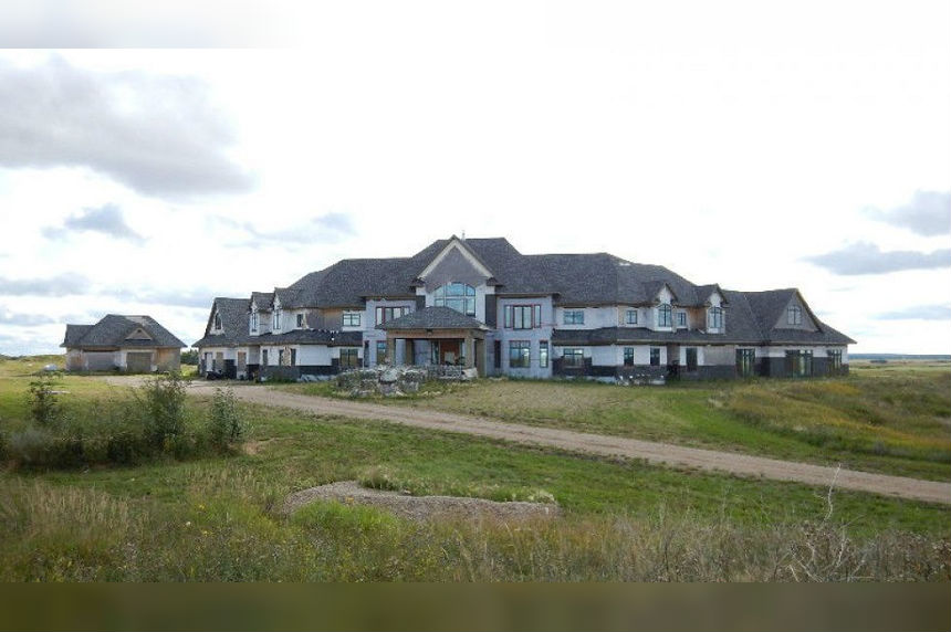 Sask. mystery mansion sells for $550K at auction