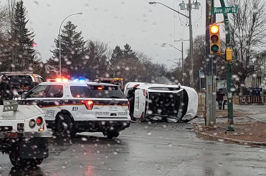 3 people arrested after morning crash in Saskatoon