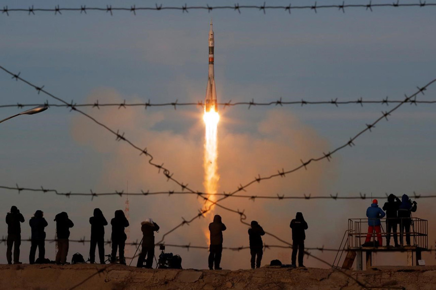 Canadian astronaut lifts off on Russian rocket en route to International Space Station