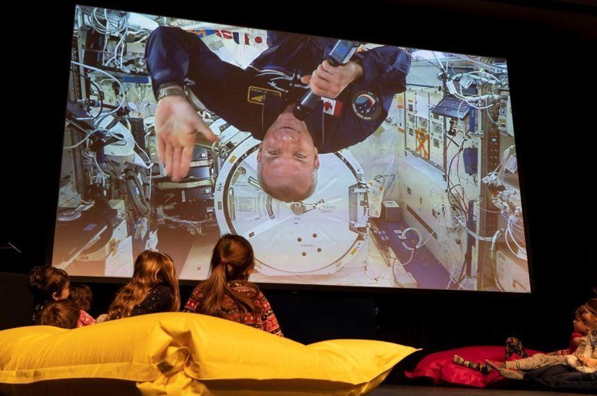 Astronaut Saint-Jacques fields Questions for children Santa, climate change