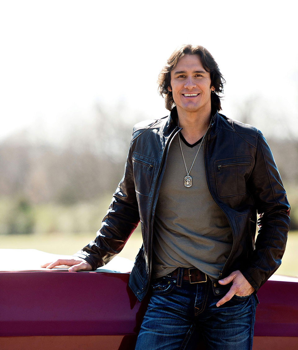 Joe Nichols will release a new album: Never Gets Old on July 28th