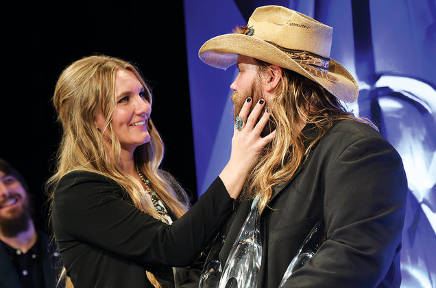 Chris and Morgane Stapleton expecting twins!!