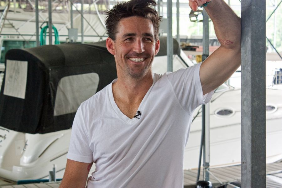 Jake Owen's Greatest Hits is out TODAY!