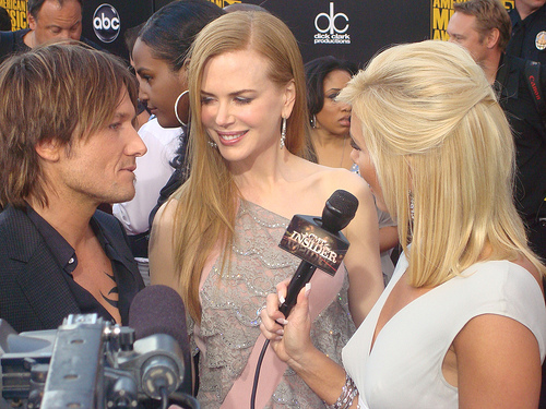 [WATCH] Keith Urban Serenades Nicole Kidman