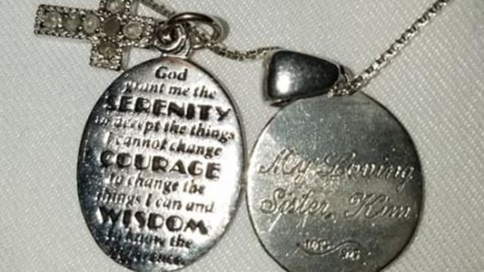 Post of Necklace Found at Jason Aldean Concert Goes Viral