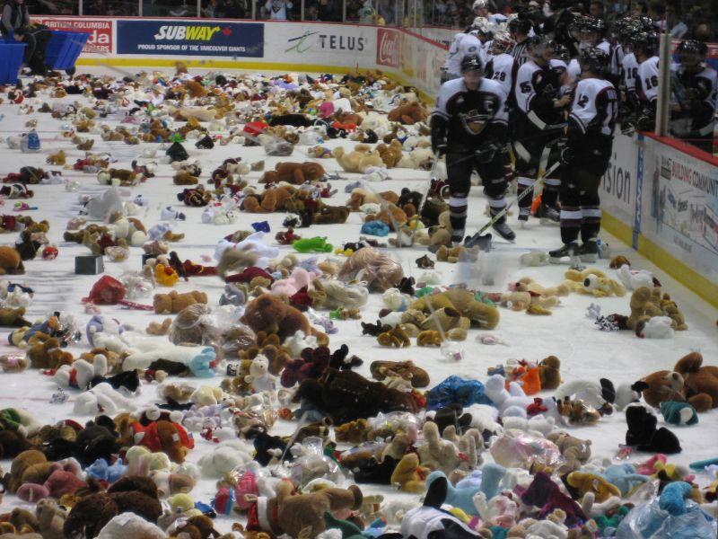 Hershey Bears Make It Rain Teddies