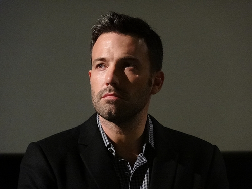 Ben Affleck Pretends to Fight his FedEX Guy Regularly For a Hilarious Reason