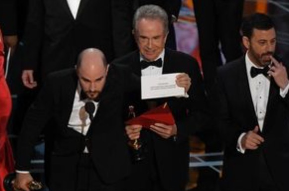 """An Oscars """"Oops"""" That'll Go Down In HISTORY!!"""
