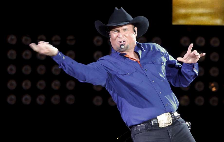 This Just In! Country Superstar , Garth Brooks , Announces  his Autobiography !