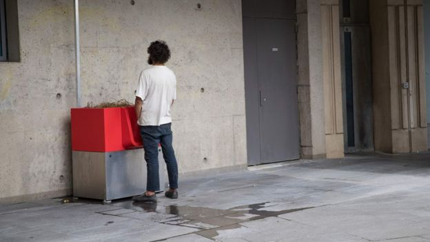 Eco-Friendly PUBLIC Urinals Exist in Paris
