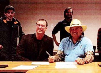 Lumby and Splatsin Sign Agreement