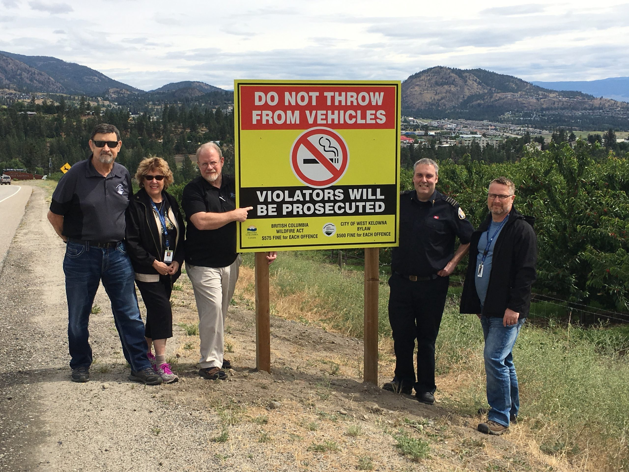 Signs Up In West Kelowna Against Flicked Cigarettes