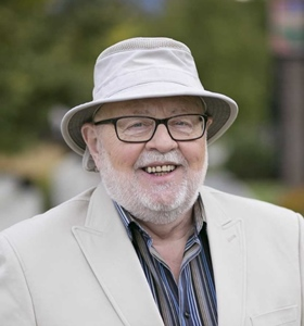 Former Broadcaster Seeks Council Spot