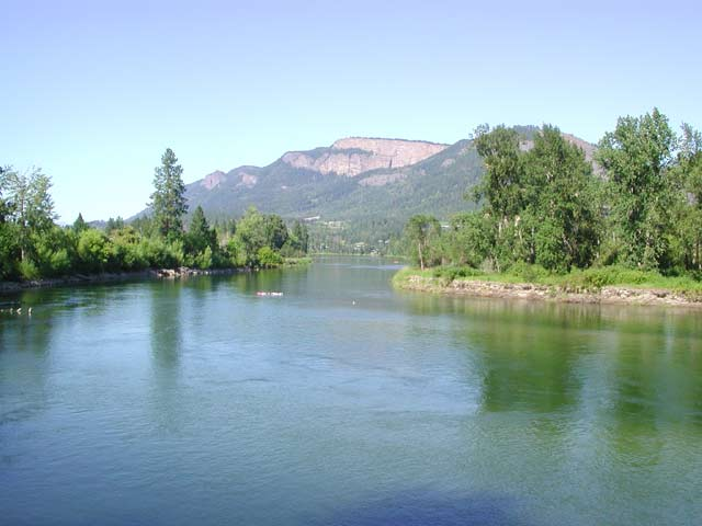 Shuswap River Boating Restrictions  Sailing Along