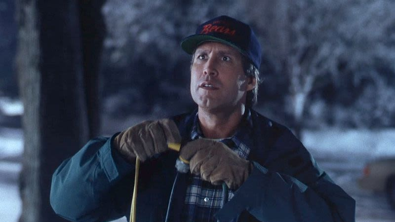 Why 911 got involved in 'Christmas Vacation'-inspired holiday decoration