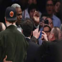 Charles Oakley kicked out of Knicks Game