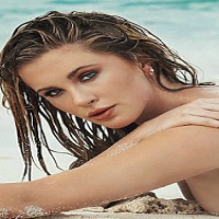 Alec Baldwin's Daughter Bares it all on the Beach