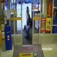 Girl kicks shoplifters Butt