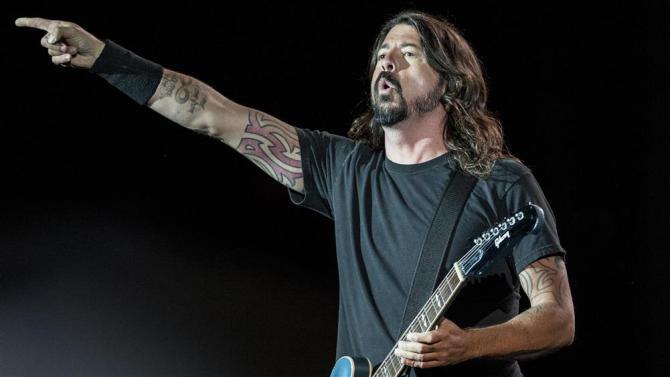 Foo Fighters Break Curfew