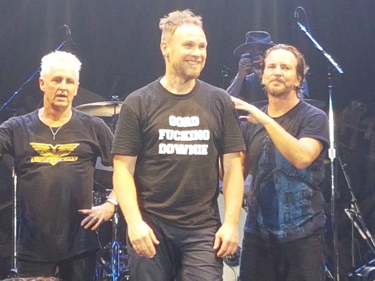 Gord Downie Tribute At Pearl Jam Concert