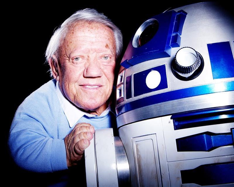 Actor Kenny Baker has passed away