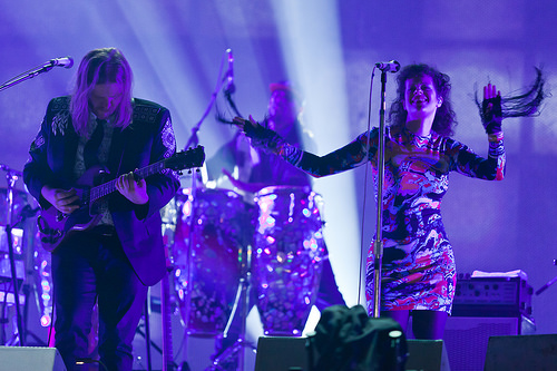 Arcade Fire performs on SNL and the Juno's this week