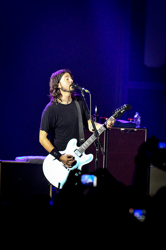 NEW Foo Fighter song Check This Out....