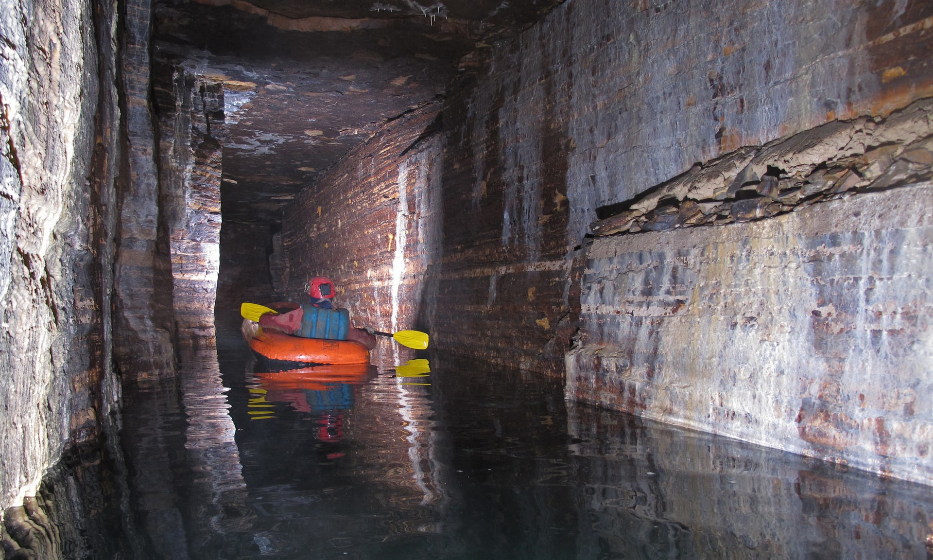 Amateurs Finds Underground Passage Beneath Montreal!