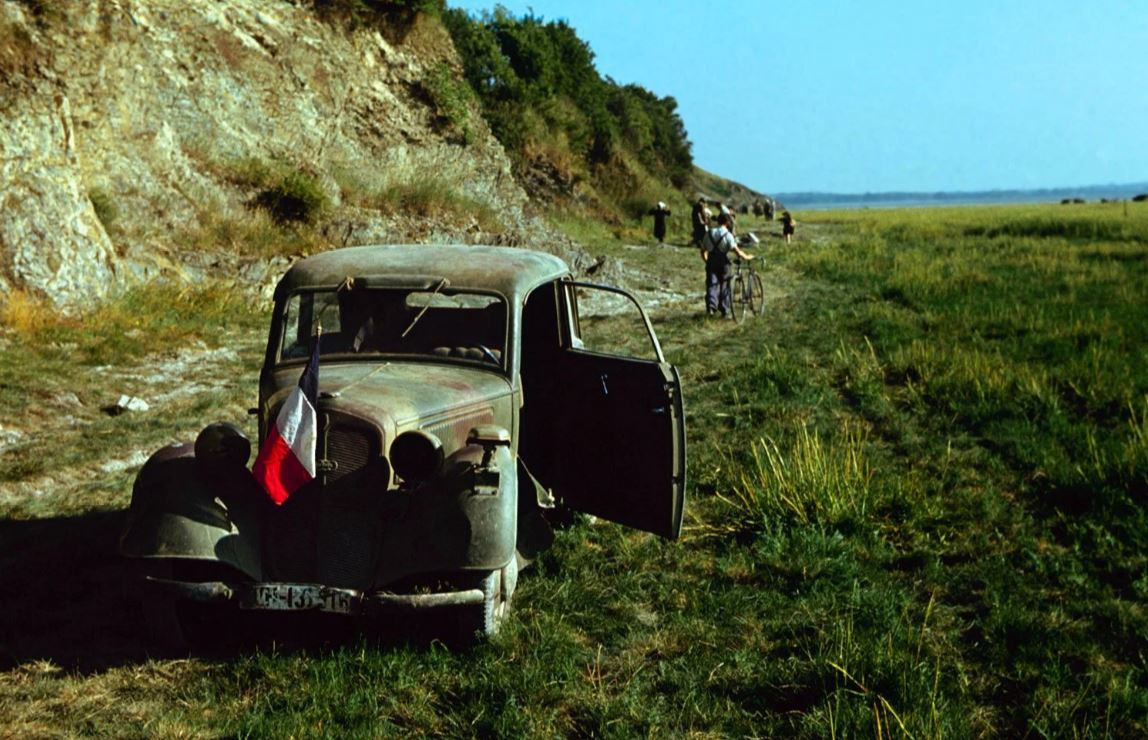 Absolutely stunning colour photos from just before, and following D-Day, June 6/1944.