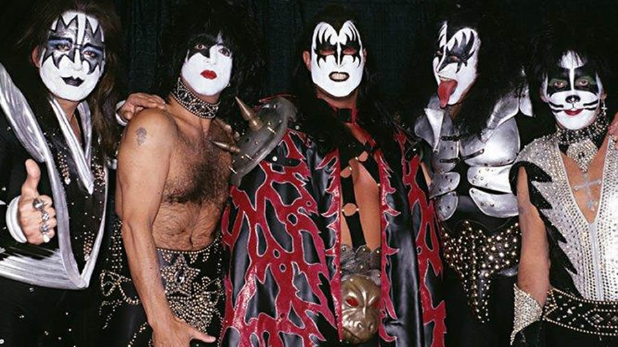 Today's the 20th Anniversary of the time KISS played on WCW