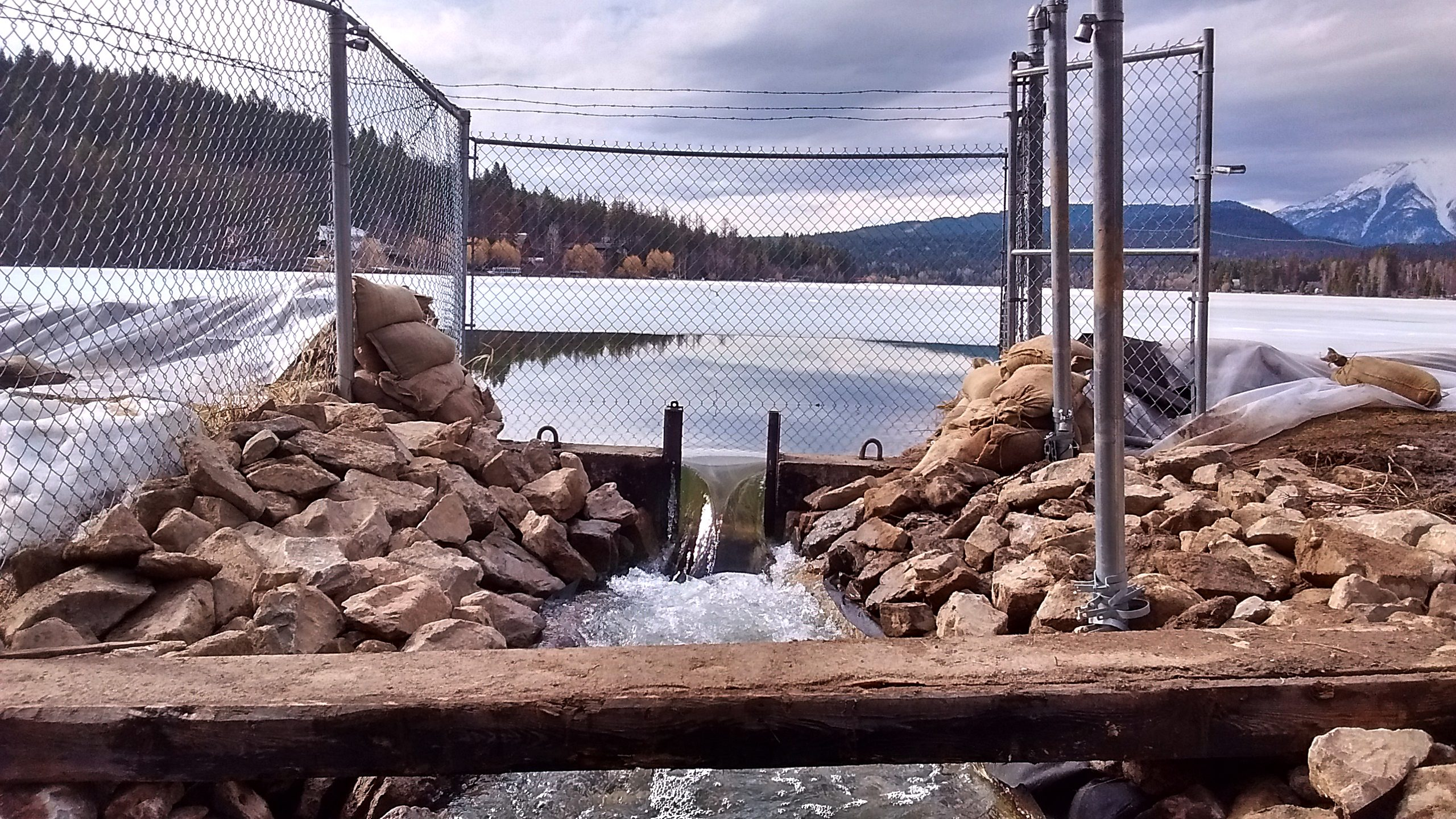 RDEK Shores Up Tie Lake Dam as Lake Levels Continue to Rise