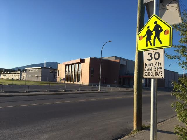SD5 considering flashing crosswalk lights at all schools