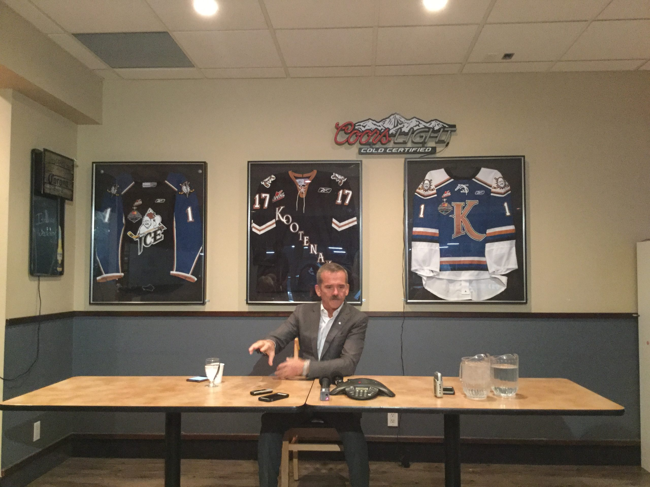 Col. Hadfield visits East Kootenay to widen horizon of minds