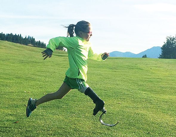 Prosthetic leg doesn't stop Fairmont girl from playing hockey