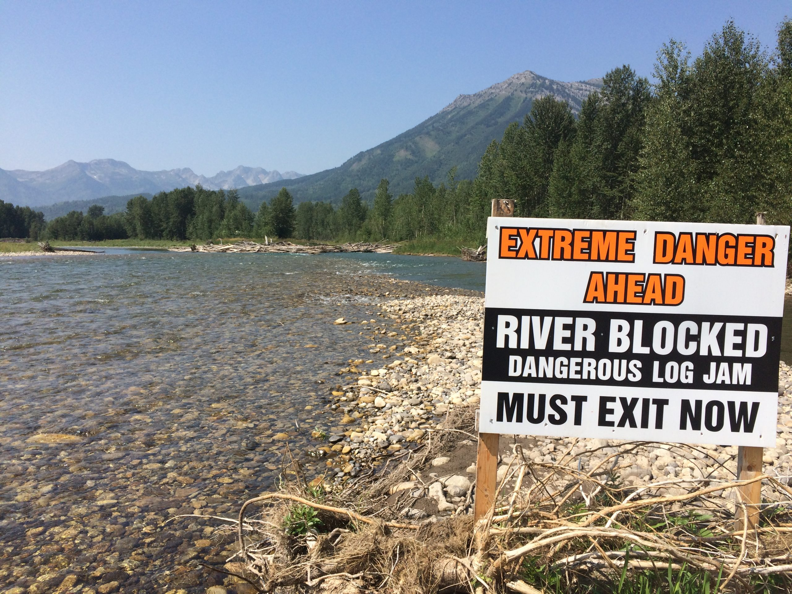 Residents warned of dangerous log jam near Fernie