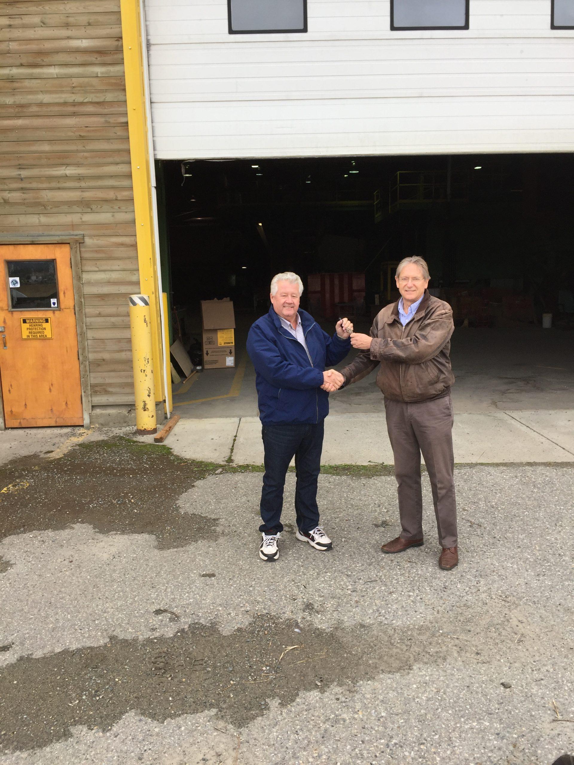 Cranbrook Mayor exchanges keys for recently acquired Tembec lands