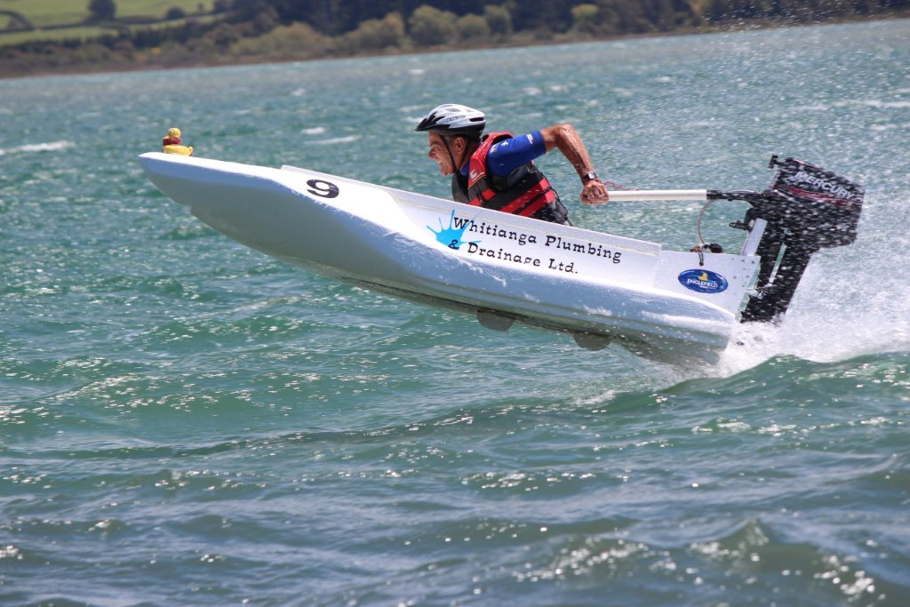 Bathtub Races Return To Kits Beach