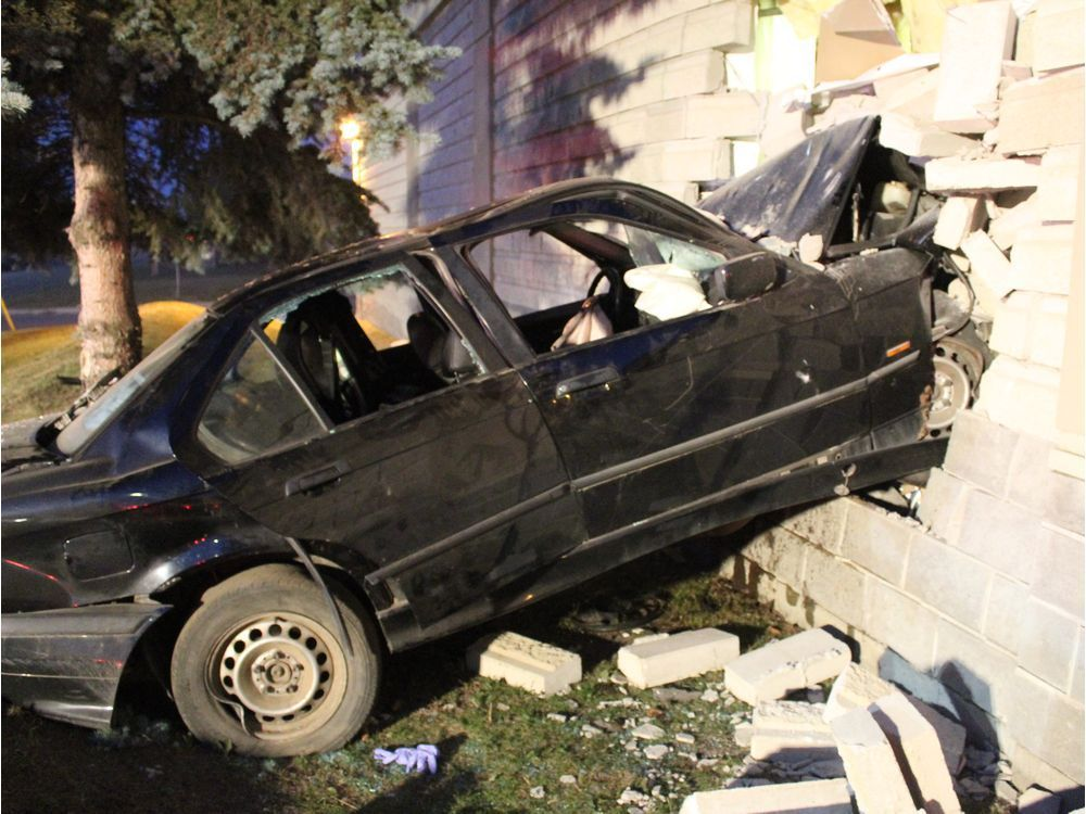 CAR SLAMS INTO WETASKIWIN SAFEWAY FOLLOWING POLICE CHASE