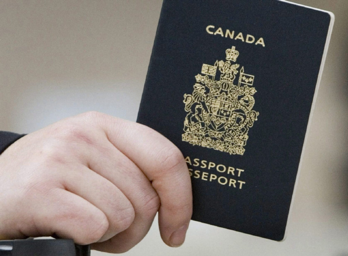 CAMROSE POLICE ISSUE A WARNING ABOUT A SPEEDY PASSPORT SITE