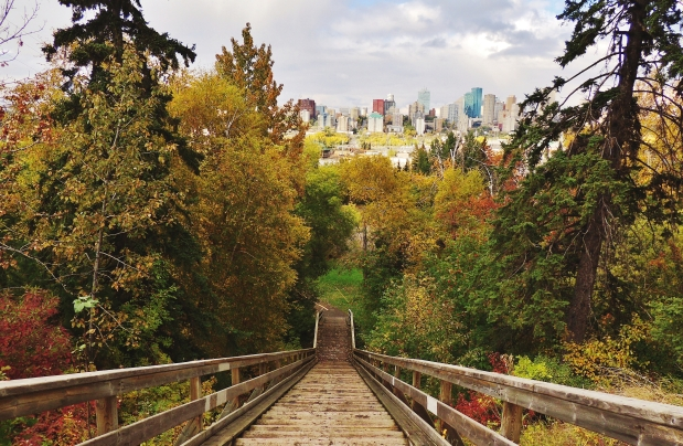 WEATHER NETWORK SAYS FALL ON THE PRAIRIES IS GOING TO BE WARM THIS YEAR