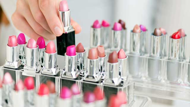 "UNDERCOVER STUDY FINDS A LOT OF ""EXTRAS""  ON TESTERS AT THE MAKEUP COUNTER"